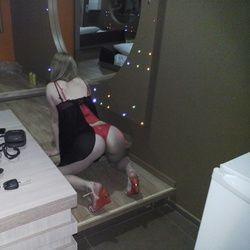 Branquela gostosa de Maringá PR em fotos bem safadinha no motel