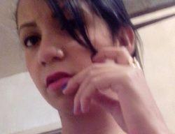 Vazou morena peituda tirando fotos selfie peladinha no espelho