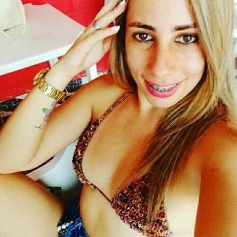 Caiu na net novinha carioca tirando selfie totalmente pelada RJ