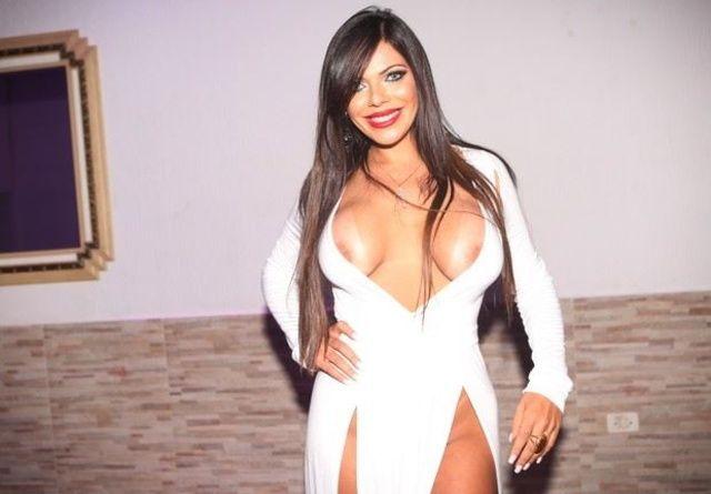 Suzy Cortez de Brasilia DF pagou peitinho no concurso Miss Bumum