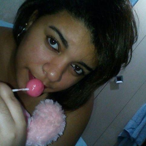 Gordinha tesusa do Paraíba se exibindo pelada em nudes