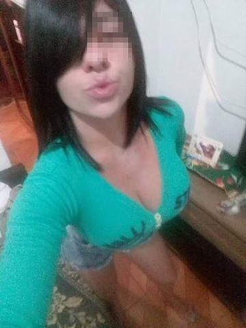 Morena peituda mandou fotos pelada no grupinho do zapzap SP