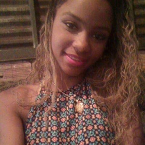 Fotos carioca Beatriz mostrando bucetão e peitos grandes