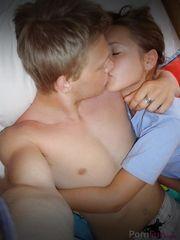 Fotos fazendo sexo com minha irmã mais nova de outro papai