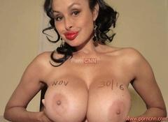 Fotos Claudia quarentona siliconada mostrou tetas na webcam