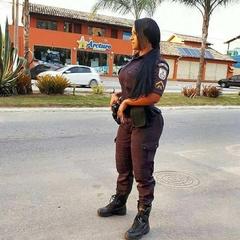 Policial gostosa caiu na net de calcinha fio dental mostrado bunda grande