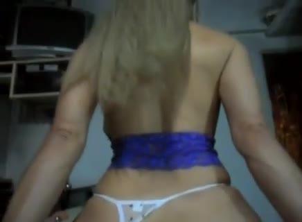 Vídeo porno vizinha safada com calcinha de lado dando cuzinho apertado