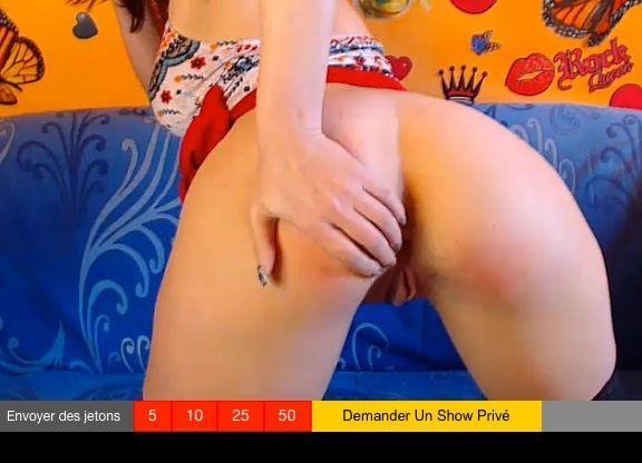 MILF mãe gostosa mostrando bundão grande no site porno americano