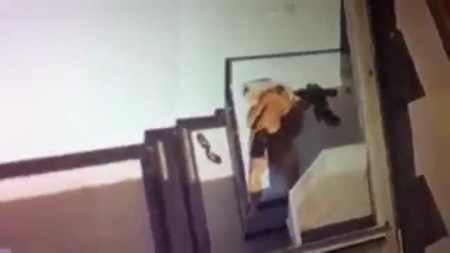 Bombou vídeo helicóptero flagrando esposa e marido transando no motel