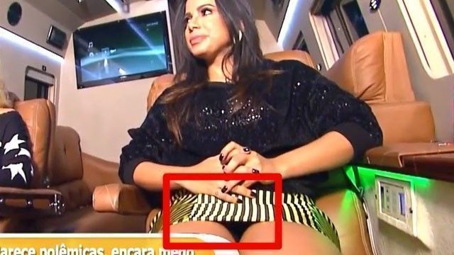 Video Anitta gostosa pagando calcinha preta no programa da Eliana
