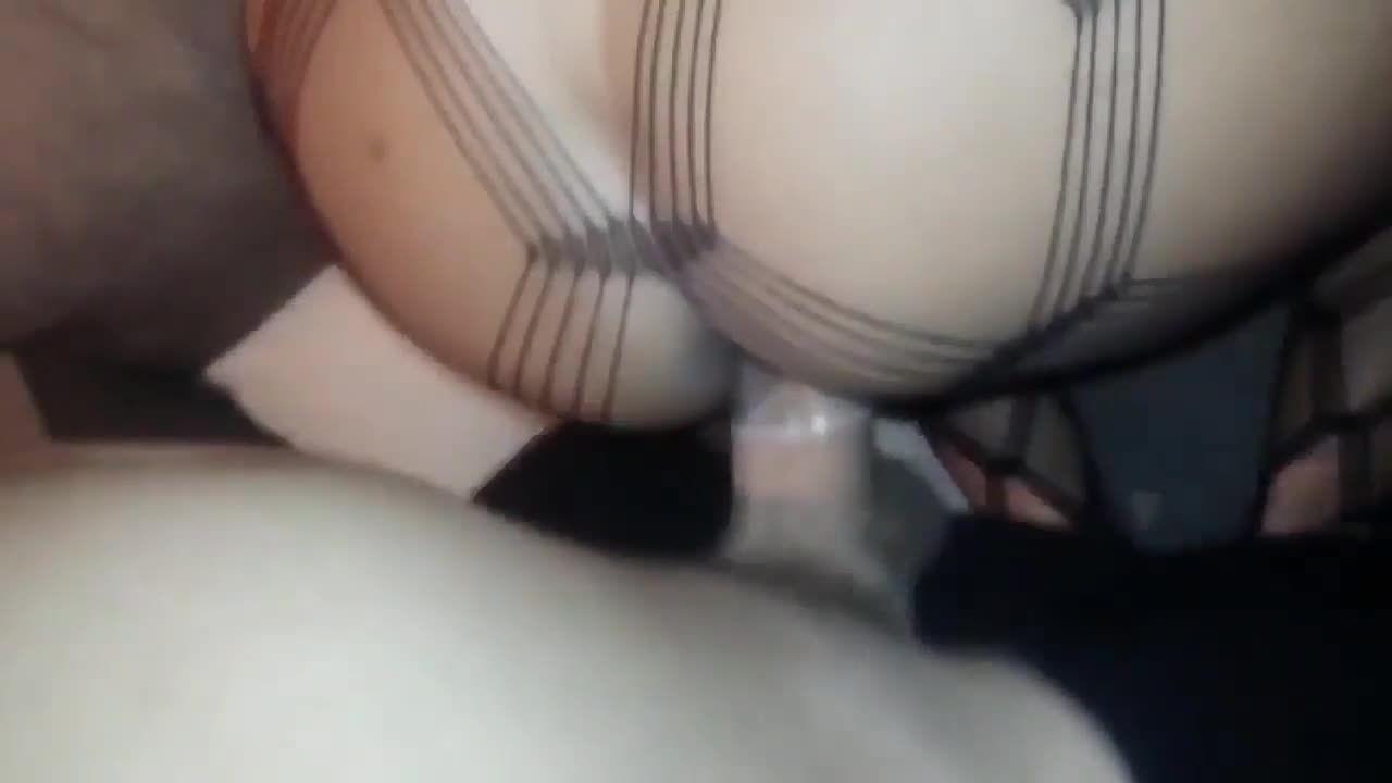 eu sou uma vagabunda Mulher caiu na net fazendo sexo amador e gemendo