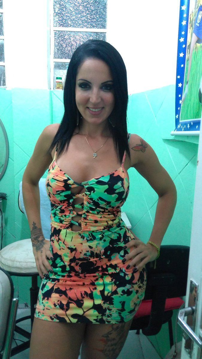 Video carioca gostosa piscando cuzinho em Madureira RJ