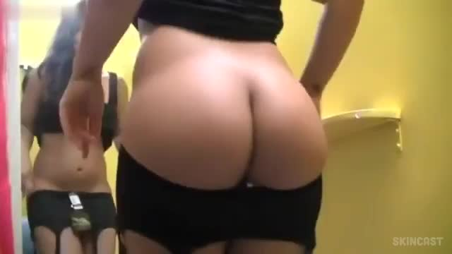 Video flagra real morena bunduda colocando lingerie no provador