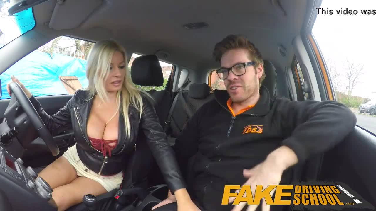 milf peituda gozada fazendo sexo depois da auto escola
