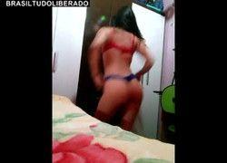 Outro vídeo caiu na net Kaliane Fogaça rebolando de calcinha enfiada no rabo