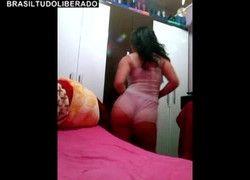 Vídeo amador Kaliane de Santa Catarina dançando de pijama por ex namorado