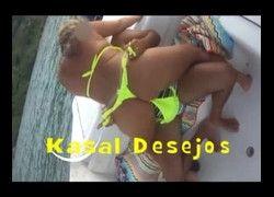 Porno ostentando kasal transando na lancha em alto mar