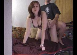 Filmando comendo pepeca da namorada no sofá da sala