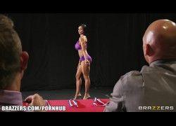 4 mulheres peitudas fitness no campeonato terminou em suruba HD