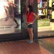 Video desafio da Baleia Azul faz novinha linda de São Paulo se masturbar no Shopping - Flagra