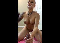 Vídeo gostosinha Daizha Morgann pagando boquete com chantilly no namorado - Twitter