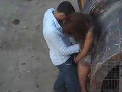 Video casal flagrados fazendo sexo dentro da obra rapaz de longe consegui grava video deles
