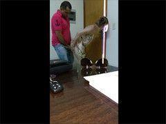 Video mulher casada infiel transando com vizinho escondido do marido corno