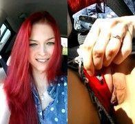Video Lilly ruivinha sapeca de 18 aninhos mostrou buceta no carro