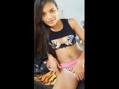 Vídeo novinha Ester Tigresa de Alta Floresta dando tapinhas na buceta
