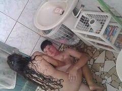Video Camile ninfetinha safada de Recife PE flagrada transando no banheiro