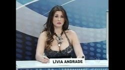 Video famosa Lívia Andrade com decote enorme no programa do Silvio Santos 2017