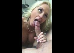 Video Katia loira gulosa chupando gostoso pau grande fazendo sexo oral no jeitinho