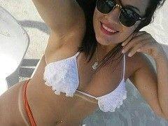 Video Amanda morena bunduda fodendo em porno caseiro