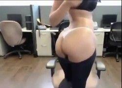 atendente telemarketing peituda se masturbou durante hora extra