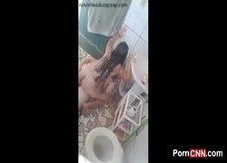 Video novinha gostosa flagrada fazendo sexo com primo