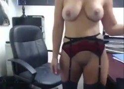 secretaria peituda caiu na net pelada ser exibindo no serviço
