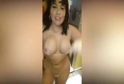 Porno rainha Soraya Carioca dando o cu com amiga filmando putaria