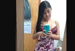 Nandinha carioca novinha na siririca e strip tease
