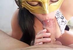 Raquel esposa puta levando uma gozada na boca