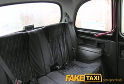 fazendo sexo obrigada com taxista fake dentro do taxi