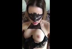 casada fogosa fazendo sexo amador realizando seus fetiches na cama